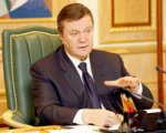 Янукович встретился с евродепутатами. Рассказал о визах и выборах